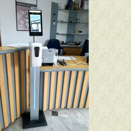 Brezkontaktni termometer s prikazovalnikom in prepoznavanjem obraza MBTF-30SR s stojalom in avtomatskim razkuževalnikom